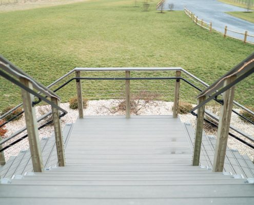 Commercial Companies Provide Modern Railing